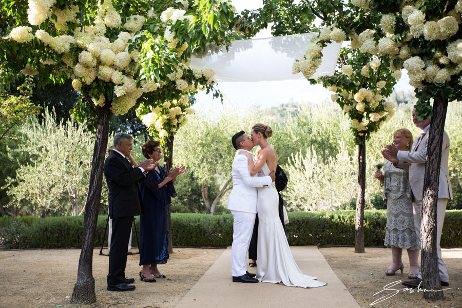two brides first kiss